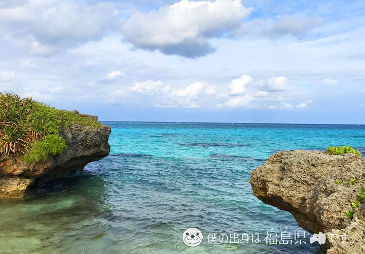 ゴリラ岩と透明度抜群な海