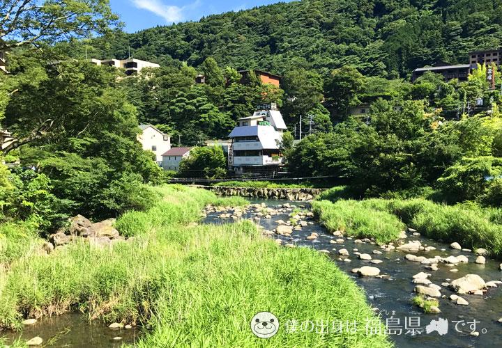 箱根商店街脇の川