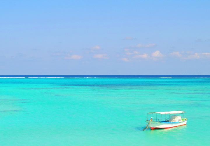 与論島の海