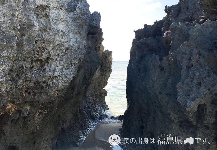 品覇海岸のゴロゴロ岩